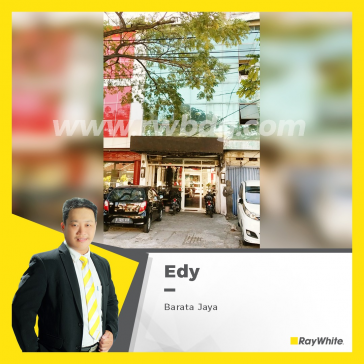 Strategic & Hokky Shophouse for Sale, Located in Barata Jaya