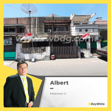 House For Sale in Central Surabaya, Petemon II, Sawahan